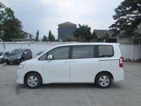 Toyota Nav1 V AT 2013 Istimewa