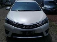 Jual Toyota Altis V 1.8 AT 2014 PUTIH METAL