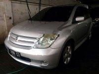 Jual mobil Toyota IST 2003 Jawa Timur