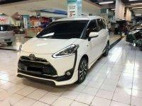 Toyota Sienta Q at tipe tertinggi 2016 putih