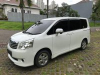 2014 Toyota NAV1 G