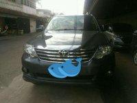 Toyota Fortuner matic(abu-abu) tahun 2011/12