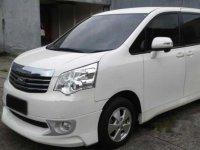 Toyota NAV1 V 2013 MPV