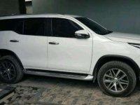 Jual Toyota Fortuner VRZ 2016 putih metik km low