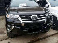 Toyota Fortuner Hitam 2.4TRD 2017