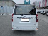 Toyota Nav1 V AT 2013 Putih Special Imlek