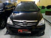 Toyota Innova E AT 2011