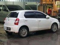 Toyota Etios Valco E MT 2013