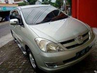 Toyota Innova bensin 2005 istimewa