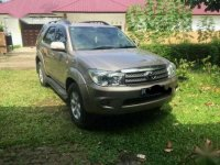 Toyota Fortuner G Luxury 2010 SUV