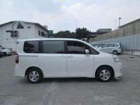 Toyota Nav1 V AT 2013