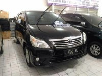 2012 Toyota Kijang Innova Hitam 2.0G Manual