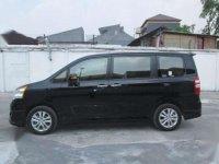 Toyota NAV1 AT Tahun 2014 Automatic