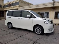 Toyota NAV1 V Limited Luxury 2014 MPV