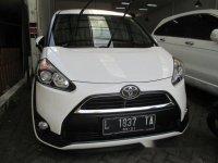 Toyota Sienta 1.5V M/T 2016