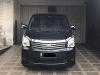 Toyota NAV1 G Luxury 2013