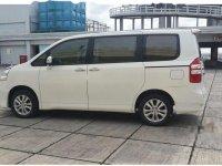 Toyota NAV1 Luxury V 2014 MPV