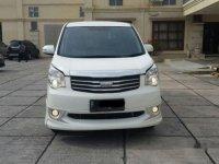 Toyota Nav1 V Luxury Limited 2015