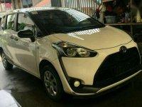 Toyota Sienta E Manual Putih 2016
