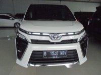 Toyota Voxy 2.0 2016