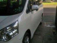 Jual Toyota Nav1 V Lux Limited AT, Tahun 2015