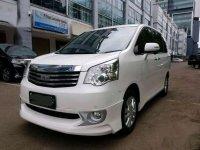 Toyota NAV1 2014