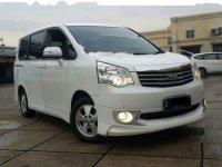 Toyota NAV1 Luxury V 2013 MPV Automatic