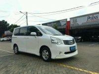 Toyota NAV1 AT Tahun 2013 Automatic
