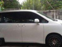 Toyota Nav1 V Lux AT 2013