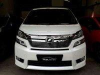 Toyota Vellfire Premium Sound 2.4  Tahun 2012