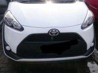 Toyota Sienta E 2017