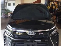 Jual mobil Toyota Voxy 2018 Banten