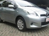 Toyota Yaris J Matic 2011 Silver
