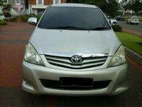 Toyota Innova G AT 2011
