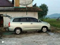 Toyota Kijang Innova 2.0 G 2005