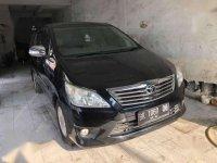 Toyota Kijang Tahun 2012 A/T Hitam