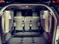 Toyota Grand Innova Black E 2012