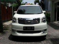Jual Toyota NAV1 Tahun 2014
