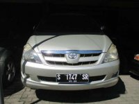 Toyota Kijang Innova V 2004
