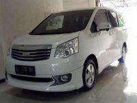 2014 Toyota NAV1 V
