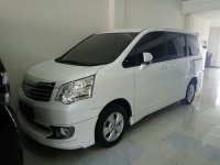 Toyota NAV1 2.0 V 2013