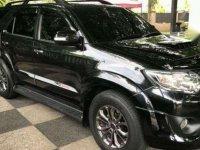 Dijual Toyota Fortuner Matic Tahun 2014 Warna Hitam,Mulus,Pemakaian Wanita