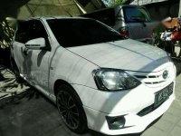 Toyota Etios valco 2014pmk G putih asbali mt lowkm gres luar dalam