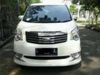 Toyota NAV1 V Limited 2014