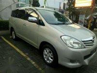 Toyota Innova G Luxury AT 2009