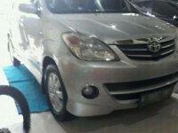 Mobil Toyota Avanza S 2011
