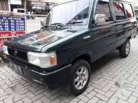 Toyota Kijang 1990