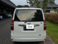 Jual Toyota NAV1 L  2014