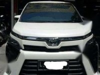 Toyota Voxy 2.0 AT White 2017 SURABAYA