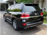 Toyota Land Cruiser VX-R 2017 SUV